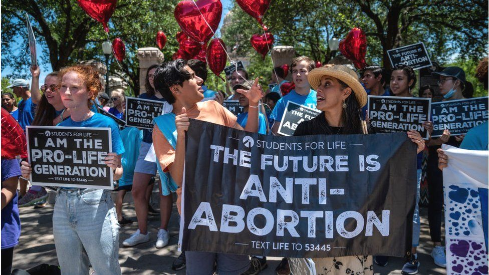texas-abortion-law:-us-supreme-court-votes-not-to-block-ban